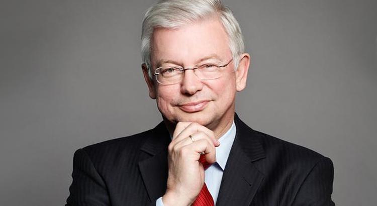 Sprecher Prof. Dr. h.c. mult. Roland Koch bei der Frankfurter Regulierungskonferenz